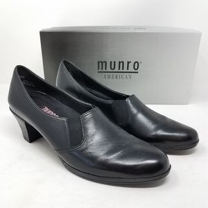 MUNRO Liz Black Leather Low Loafer Heels 9.5